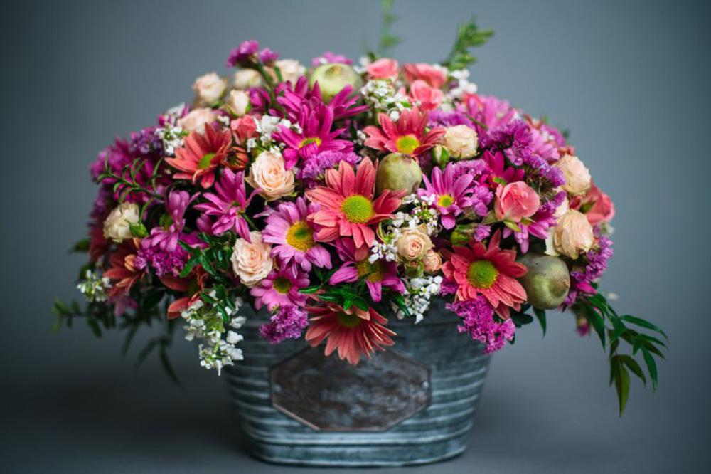 تـاثیر رنگ ها و معنای آن در گل آرایی