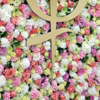 گل آرایی ديوار گل