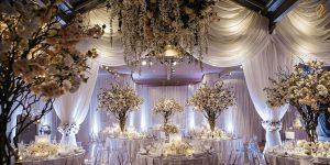 ایده های گل آرایی جایگاه عروس و داماد